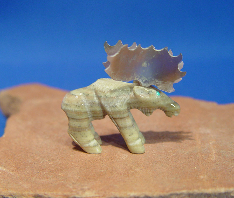 Zuni pueblo indian moose fetish carving mother of pearl rack picasso marble body