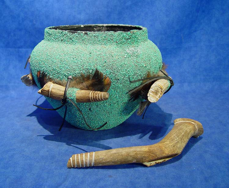 Zuni pueblo Indian fetish jar turquoise covered fetishes antler